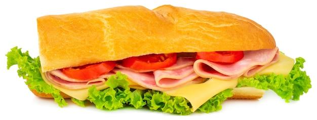 흰색 배경에 분리된 햄, 치즈, 토마토, 양상추를 넣은 신선한 바게트 샌드위치.
