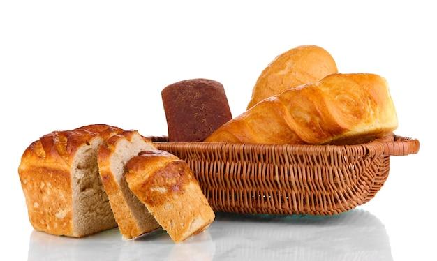 화이트 바구니에 신선한 빵