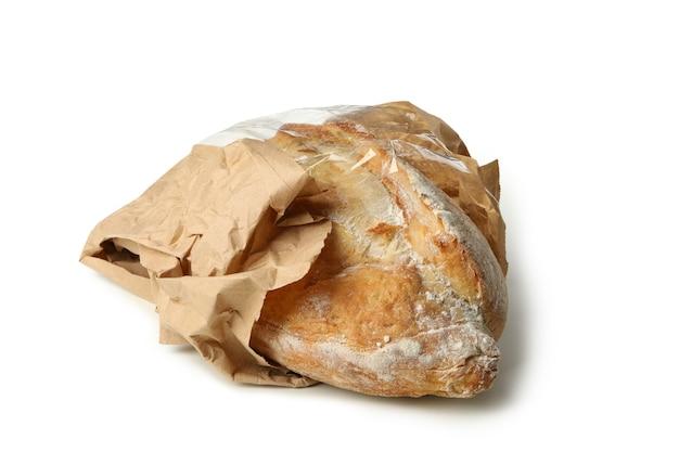 Свежий хлеб в бумажной упаковке, изолированные на белом фоне