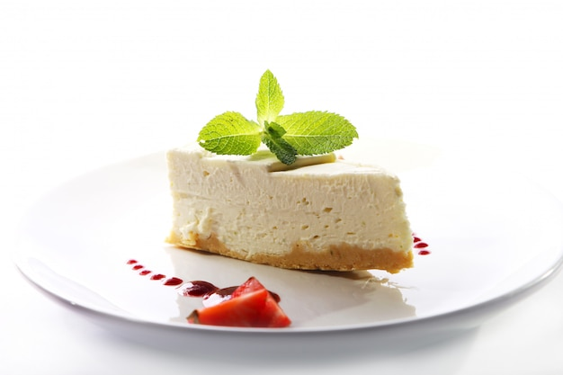 신선한 치즈 케이크와 박하