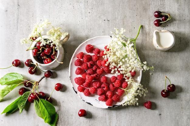 Fresh cherry and raspberry berries