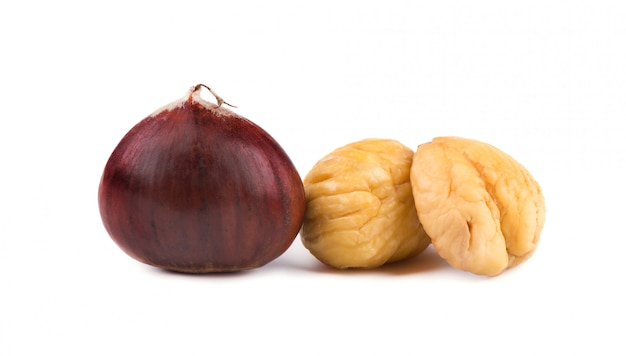 Fresh chestnuts with peeled roasted chestnut isolated on white space. hippocastanum isolated. isolated chestnut set with clipping path