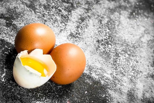 新鮮な鶏卵