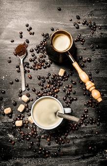 Свежий кофе в чашке
