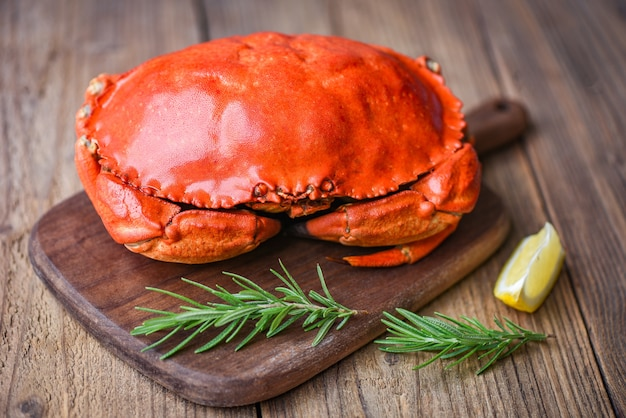 Fresh crab with ingredients