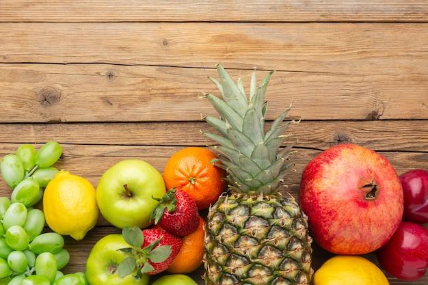 新鮮な果物のアレンジメント