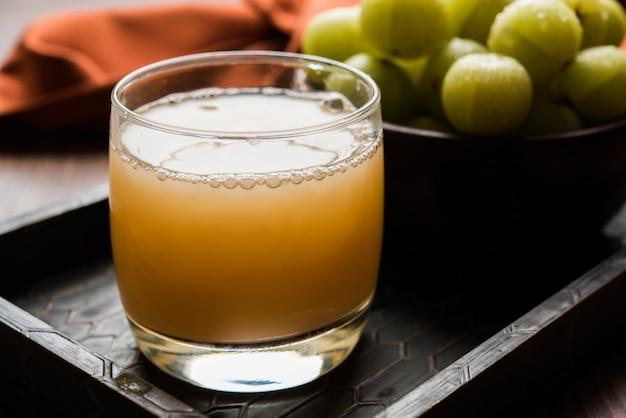 Fresh gooseberry or amla juice (phyllanthus emblica)