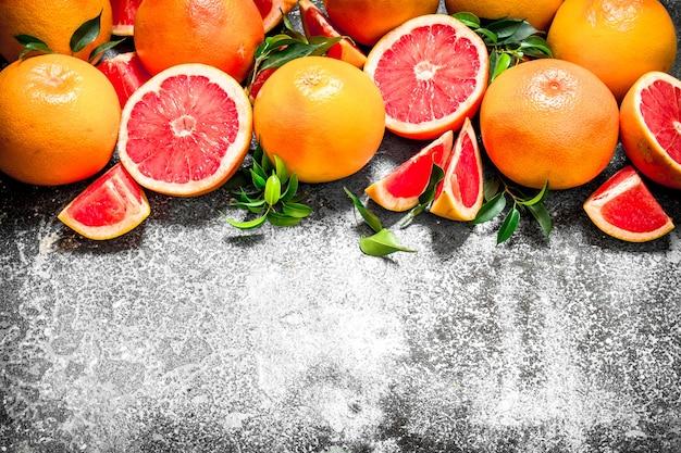 新鮮なグレープフルーツ。