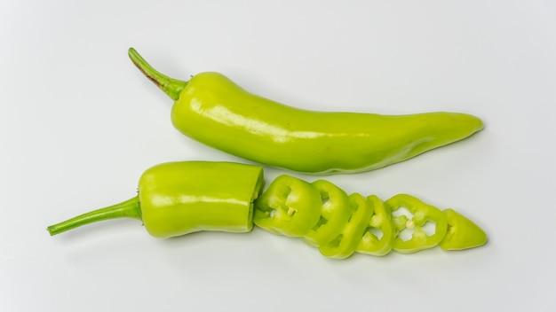 Свежий зеленый сладкий перец банановый перец