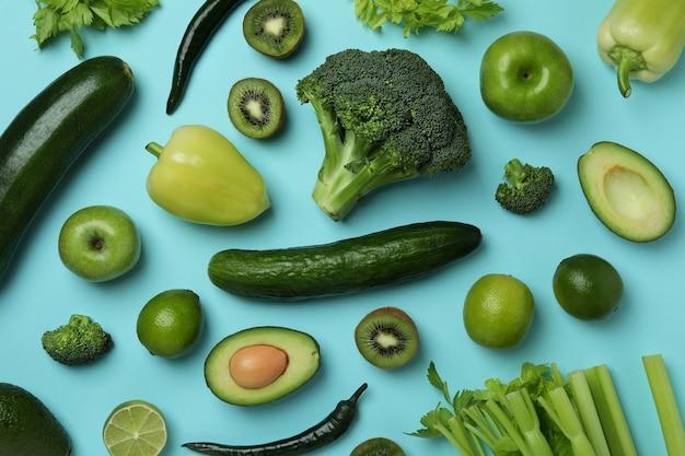 青の新鮮な緑の野菜