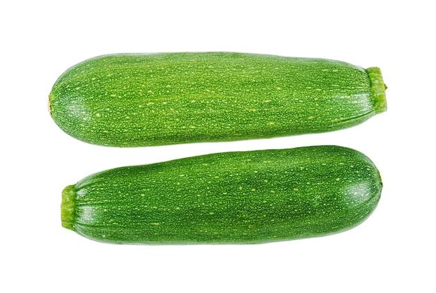 白い背景に分離された新鮮な緑のズッキーニ