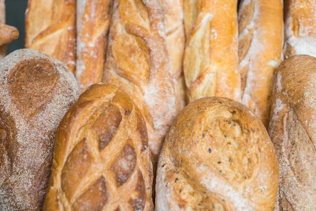 신선한 건강한 자연 빵 음식.