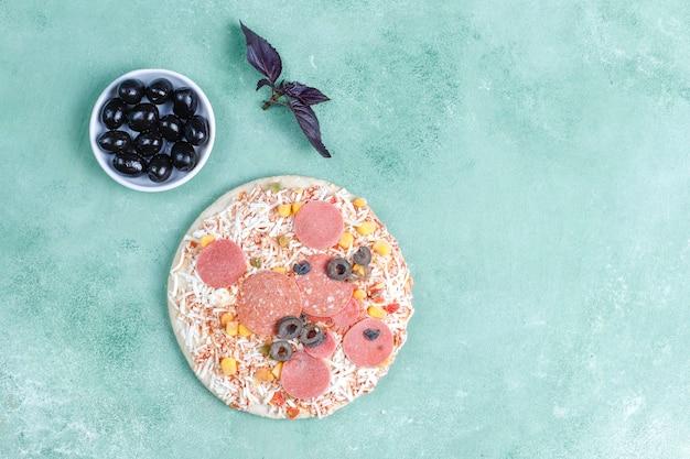 신선한 홈 메이드 냉동 미니 피자.