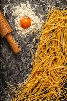 Свежая домашняя паста для спагетти