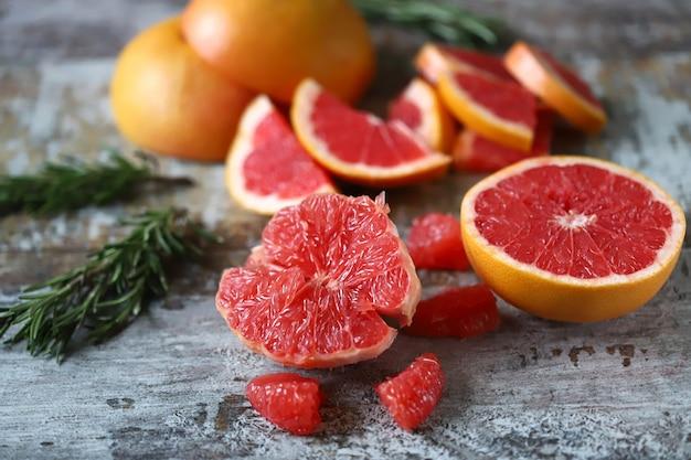新鮮なジューシーなグレープフルーツ。グレープフルーツパルプ。