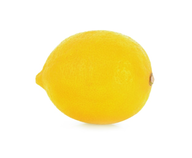 白で分離された新鮮なレモン。