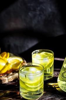 신선한 레몬 주스 변덕 배경