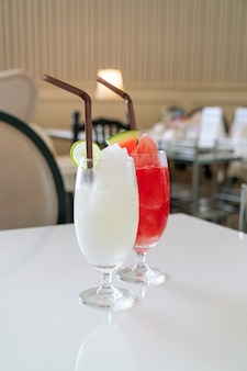 Fresh lemon lime smoothie glass in cafe and restaurant