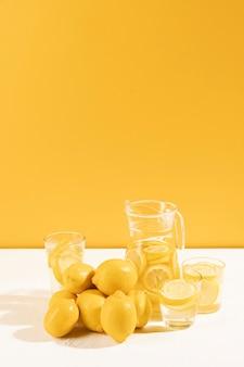 Fresh lemonade with raw lemons