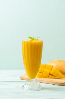 Fresh mango smoothy