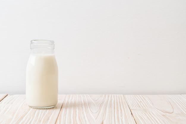 瓶の中の新鮮な牛乳