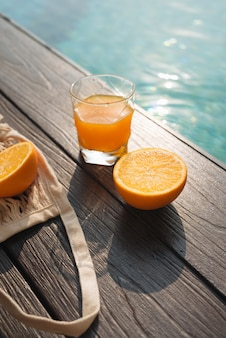 フレッシュオレンジと夏のファッションビーチアクセサリーのセット