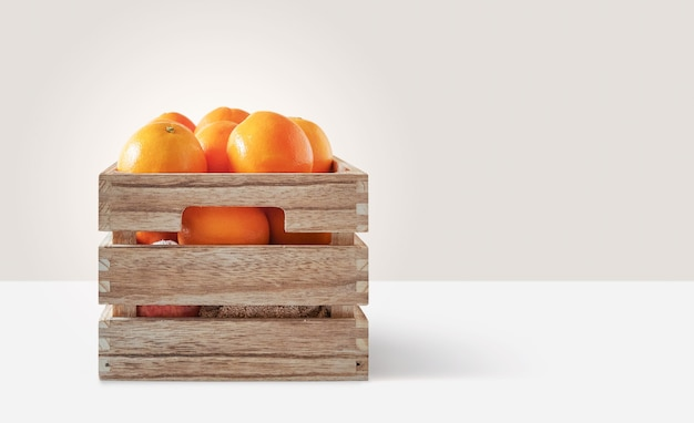 木製の箱に入った新鮮なオレンジ