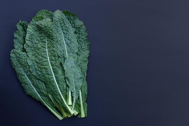 신선한 유기농 녹색 케일 잎