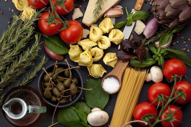 이탈리아 요리법의 신선한 유기농 성분