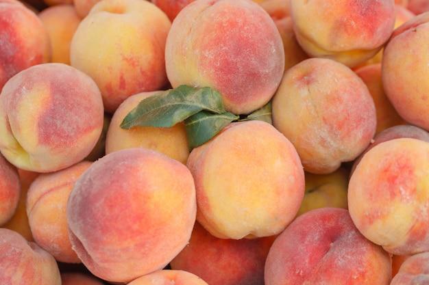 Fresh organic peaches at a local farmers market