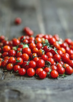 Fresh organic red cherry tomatoes