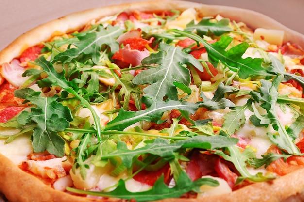 新鮮なピザのクローズアップ