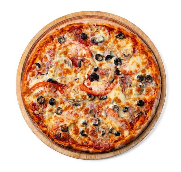 흰색 절연 나무 보드에 신선한 피자