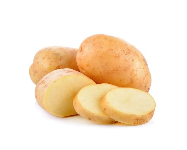 白地に新鮮なジャガイモ