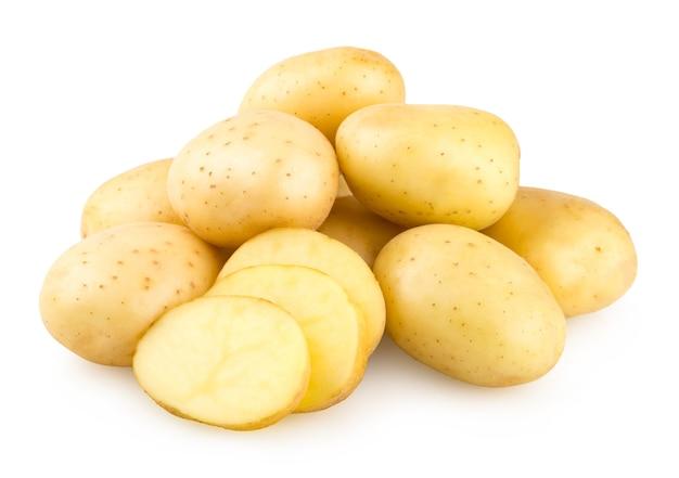 白い背景で隔離の新鮮なジャガイモ