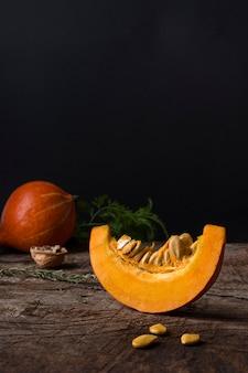Disposizione delle zucche fresche