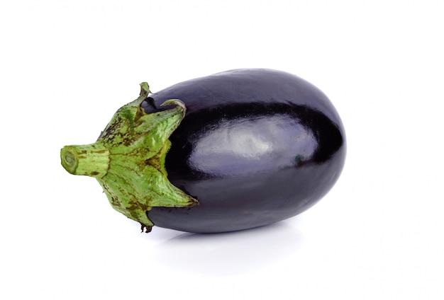 新鮮な紫色のナス由来