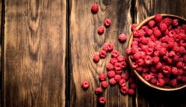 Fresh raspberries in a bowl.