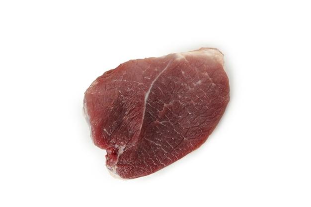 Свежее сырое мясо стейка, изолированные на белом фоне