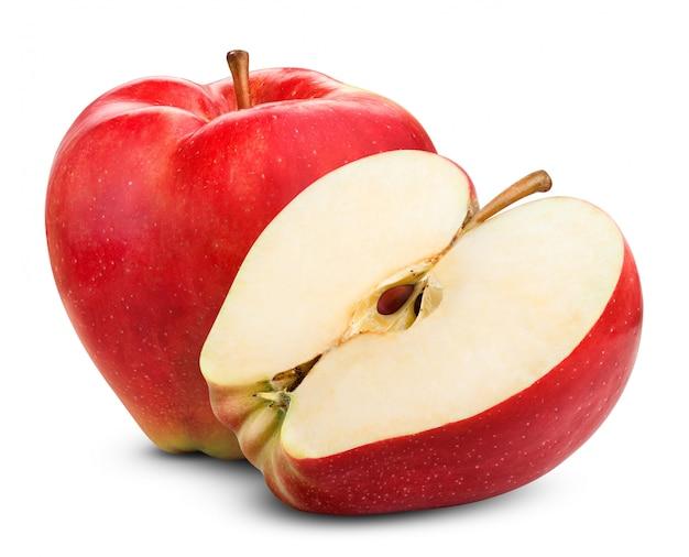 Свежее красное яблоко, изолированное на белом