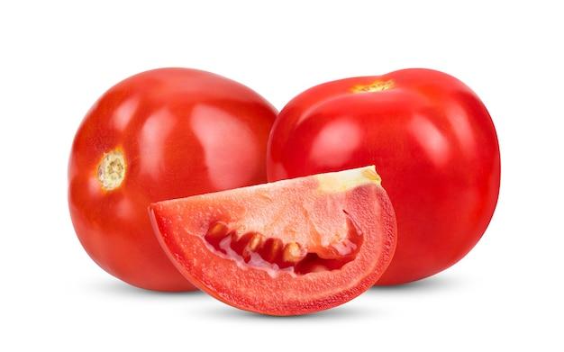 白い背景で隔離の新鮮な赤いトマト