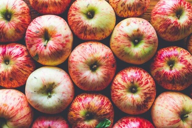 Fresh ripe apples on a wood