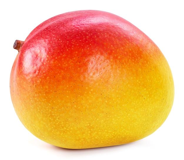 分離した新鮮な完熟マンゴーをクローズアップ