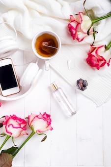 Свежая роза с чаем и парфюмом