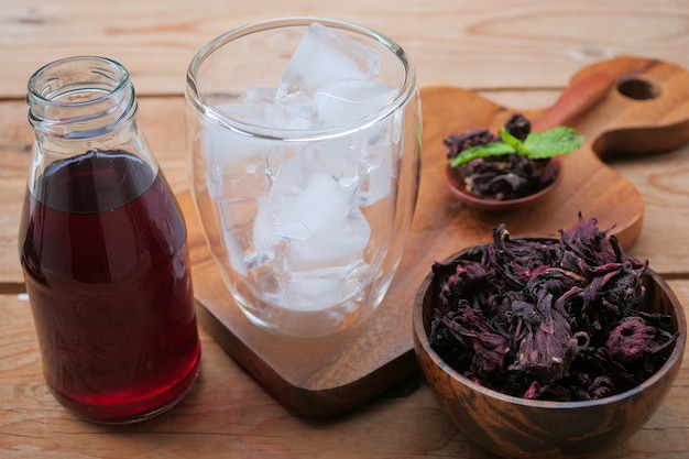 Fresh roselle juice (healthy drink)