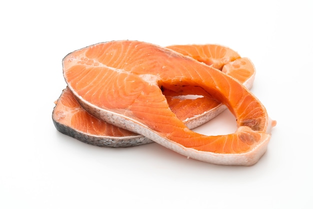 Свежий лосось сырой изолированные