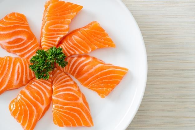 신선한 연어 회 - 일본 음식 스타일