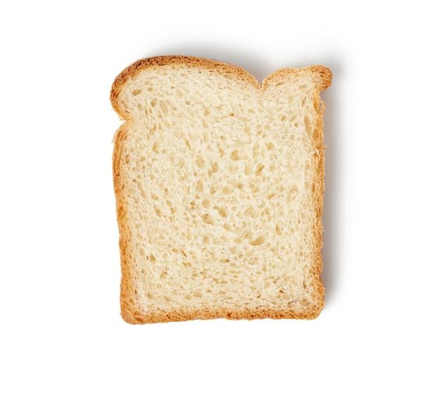 Свежий квадратный ломтик хлеба из белой пшеничной муки