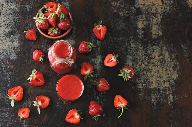 新鮮なイチゴのスムージー。
