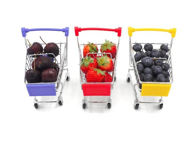 Свежие фрукты летом в корзину или тролли, изолированных на белом фоне.